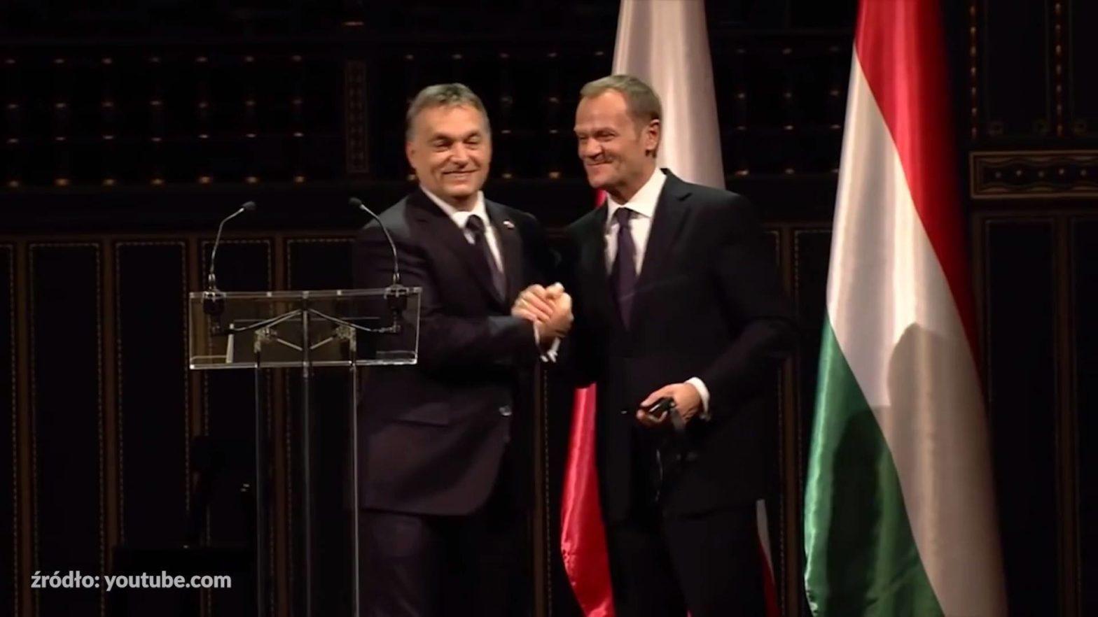 Obejrzyj Viktor Orbán - mafijne państwo uderza w pracowników.