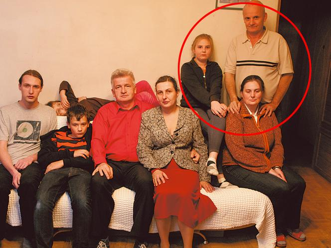 Ikonowicz przygarnął bezdomną rodzinę ZDJĘCIA - Super Express